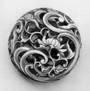 Netsuke of Water and Chrysanthemum (Kikusui)